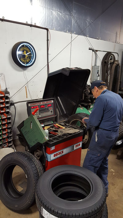 Moberg's Automotive Repair | Tire Balancing | 847-362-8905 | 1076 E Park Ave, Libertyville IL 60048